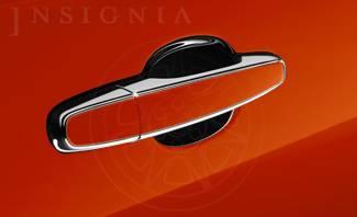 GM (General Motors) - 92221900 - 09 Pontiac G8 Color Match Outside Door Handles, Chrome W/Bright Red (26U)